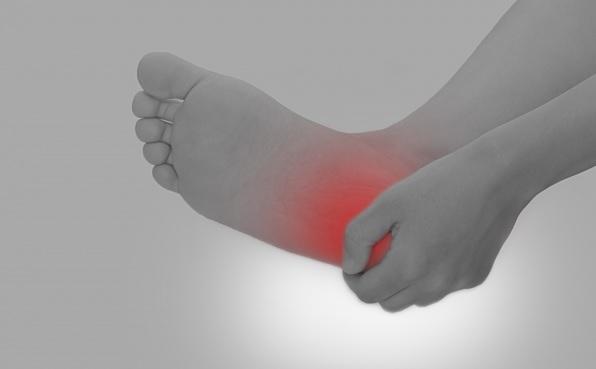 足の裏が痛い!ランナーに多い足底筋膜炎の治し方と予防策